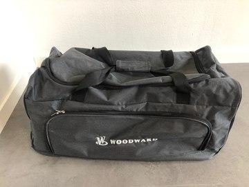 Myydään: Roller bag /sports bag