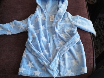 Selling with online payment: Dressing gown, age 6-9 Mths