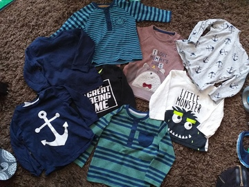 Selling with online payment: T shirt bundle, age 9-12 Mths