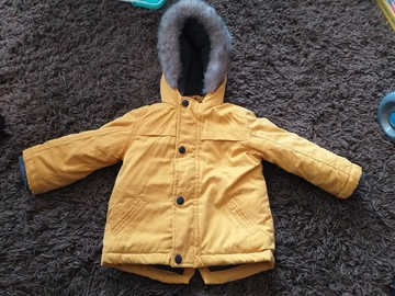 Selling with online payment: Coat with fur hood, age 9-12 Mths
