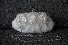 Ilmoitus: Valkoinen ihana ruusulaukku