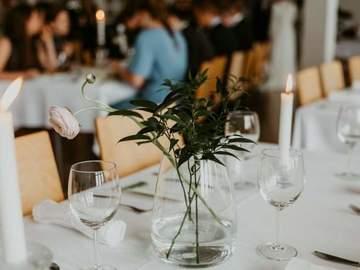 Ilmoitus: Ikea blomster kynttilänjalat,  bekärna maljakot ja helmiäiskirje