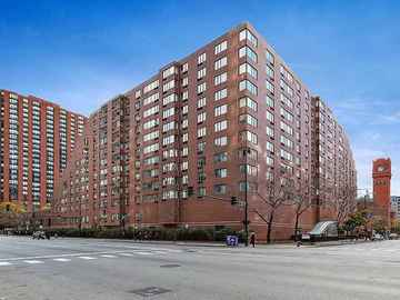 Monthly Rentals (Owner approval required): Chicago IL, Indoor Parking Garage Space Available For Rent