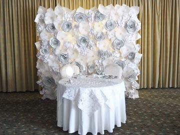 Hääyritys: Valkoinen kuvausseinä 220 x 220 häihin ja juhliin