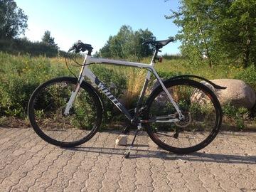 Myydään: WHITE SC Lite 24(2018) hybrid bike