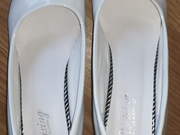 Selling: Wedding Shoes