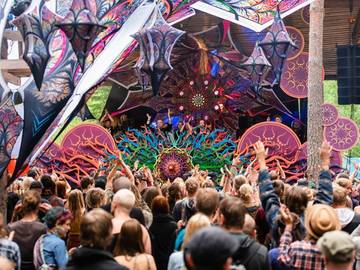 Myydään: Kosmos festival 3-day ticket (25% off)