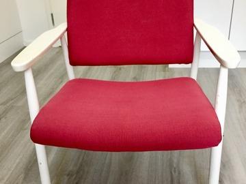 Myydään: Reading chair