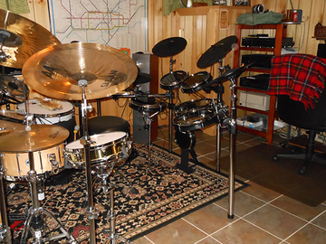 Selling with online payment: Alesis DM-10X kit for sale