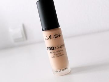 Venta: Base de maquillaje L.A. Pro Matte tono Bisque