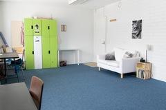 Renting out: Valoisa 35m2 työhuone Roihupellosta