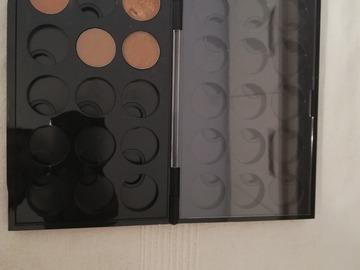 Venta: Paleta doble Mac con 4 sombras.