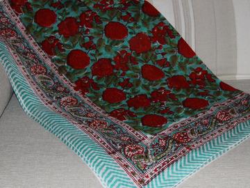 Vente au détail: Paréo imprimé batik à la main (CP11)