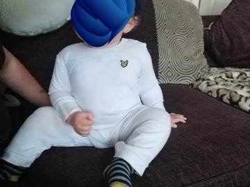 Selling with online payment: Lyle and Scott all in one, age 9-12 Mths