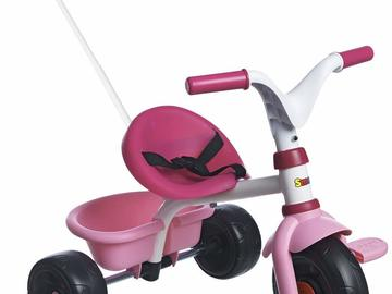 Rent by day: Tricycle bébé fille
