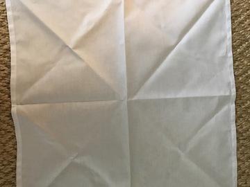 Ilmoitus:  Valkoinen kangasservetti