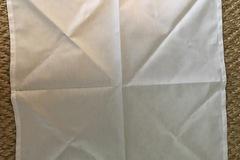 Ilmoitus:  VARATTU Valkoinen kangasservetti