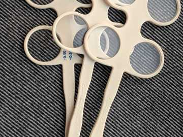Selling with online payment: Optical quality lens flipper set: +/- 2.00, +/- 1.00, +/- 0.50, +