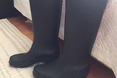 Selling without online payment: AIGLE Rain Boots Black, size 38, as good as new!