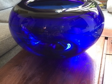 Selling without online payment: Royal Copenhagen Blue Crystal Bowl