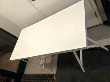 Myydään: IKEA Desk Top + A legs