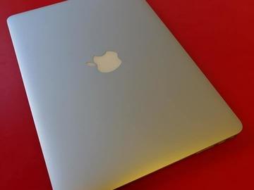 Selling: Macbook Air