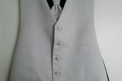 Ilmoitus: Liivi + plastron/kravatti
