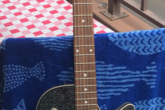 Renting out: Gretsch Jet Baritone
