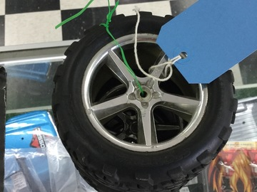 Selling: Traxxas stampede wheels