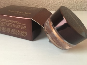 Venta: Sombra Hourglass Scattered Ligth - FOIL -