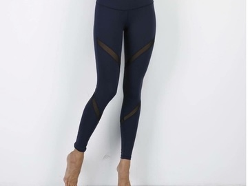 Liquidation Lot: 10 NEW Queen Yoga Leggings Gym Pants ($500 Retail)