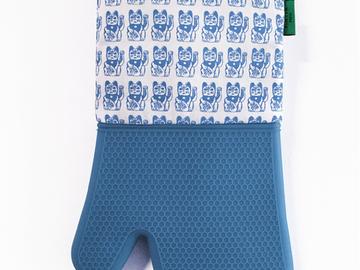 : Lucky Cat Oven Mitt - Blue