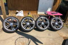 Selling: 19in bmw wheels