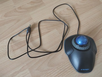 Selling: Kensington Orbit Trackball