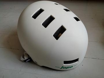 Myydään: Helmet Jopo
