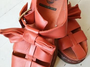 Myydään: Dr.Martens Agyness Deyn sandals 38