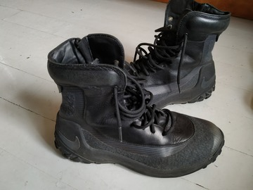 Myydään: Nike Zoom waterproof insulated size 39