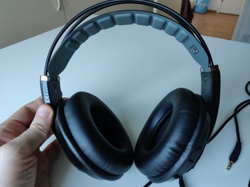 Selling: HD681 EVO Over-ear Headphones