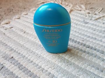 Venta: Base Shisheido protección UV Medium Beige