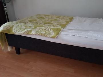 Giving away: 120 cm wide bed (reserved)