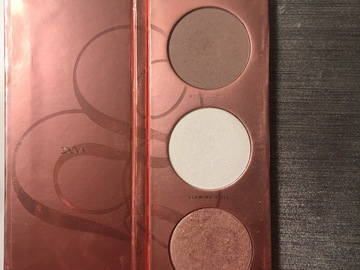 Venta: Zoeva Rose Gold blush palette