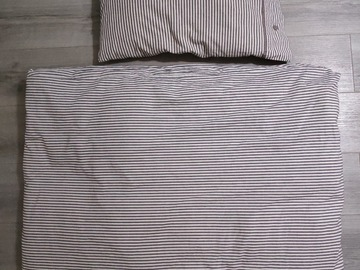 Selling: Pillow and Quilt