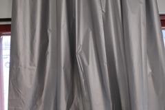Myydään: two 200cm*200cm light-blocking curtains.