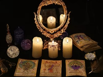 Selling: Tarot reading. One question.