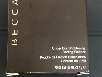 Venta: BECCA Under Eye Brightening Setting Powder Polvos de contorno de