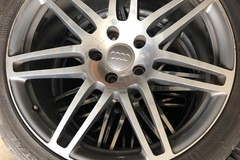 """Selling: 21"""" Audi Q7 rims with tires"""