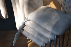 Selling: Chairs with cusion 4 nos.