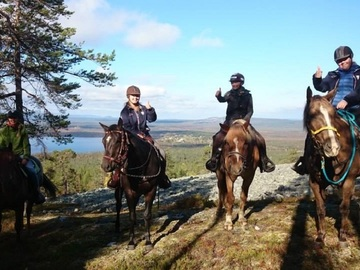 Offering with online payment: Arctic Horse Riding