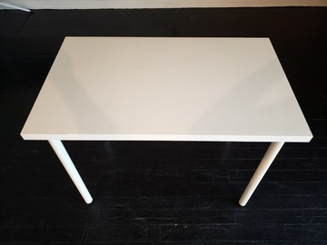 Selling Products: Table (White)