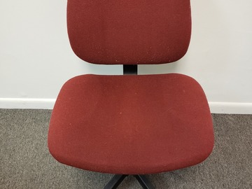 Produkte Verkaufen: Metal Chair (Burgundy cloth cover) with Rollers